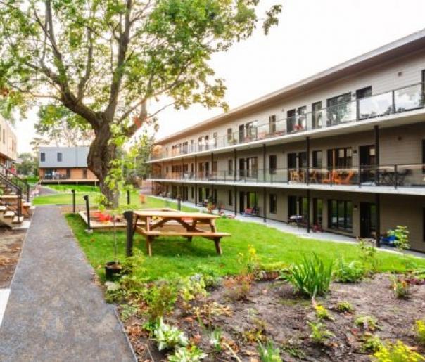 Le bâtiment multirésidentiel LEED Platine de Cohabitat, publié par ecohabitation